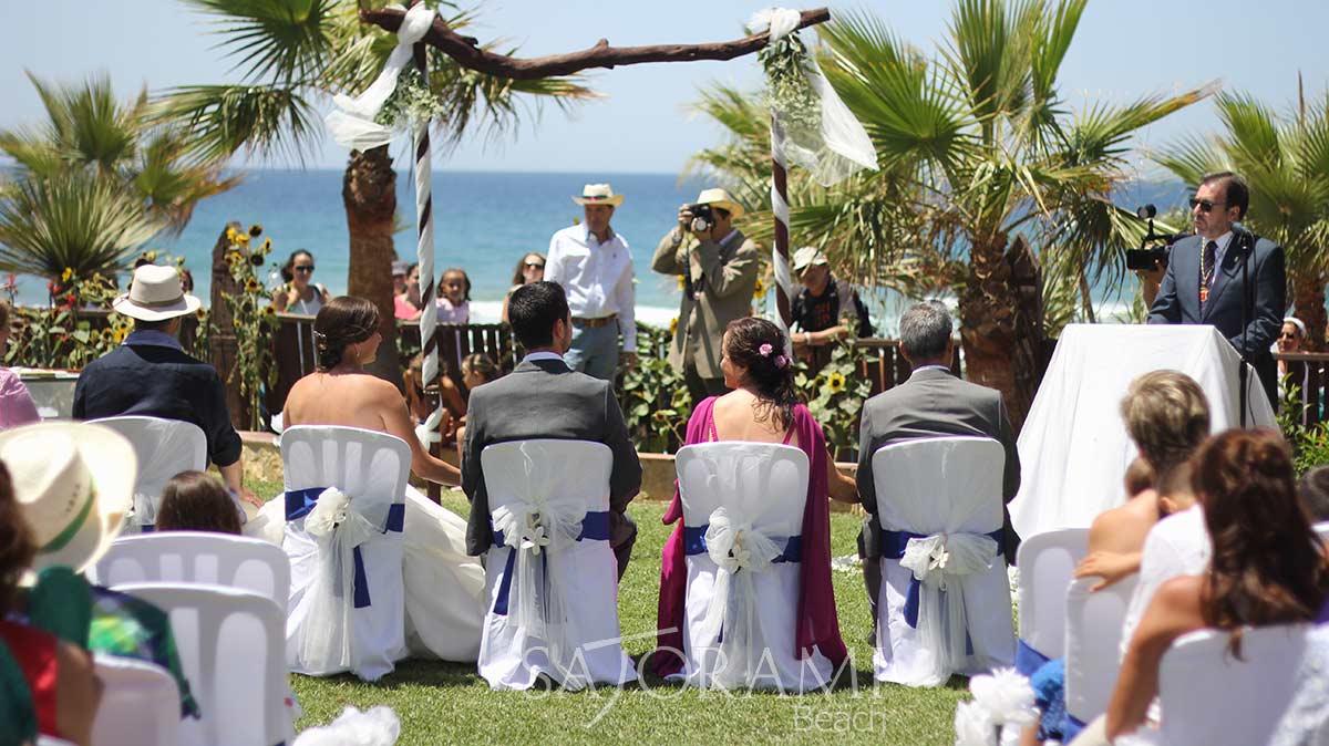 Matrimonio Catolico En La Playa : Bodas en la playa los caños de meca sajorami beach